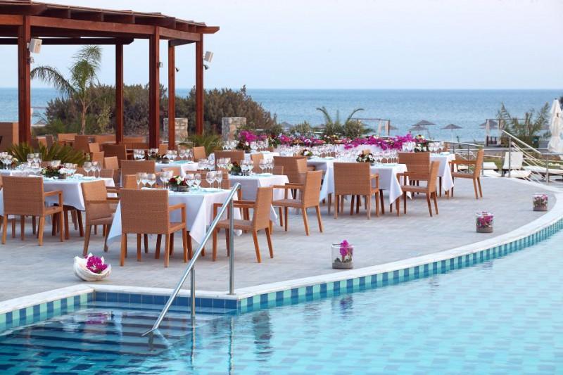Luxusyachten mit pool  GIHome – Yachtcharter, Luxusyachten, Urlaub in Griechenland ...